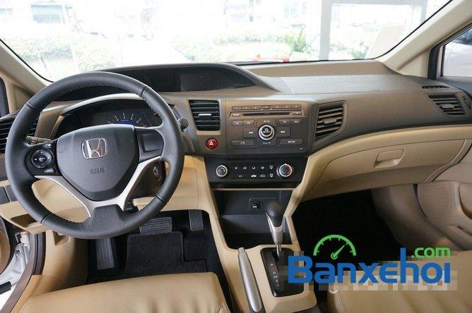 Bán ô tô Honda Civic 1.8 đời 2015, màu bạc, giá 780tr-11