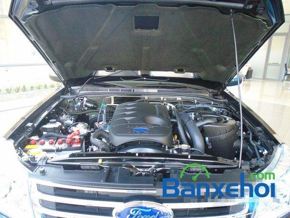 Bán xe Ford Everest XLT 2.5L 4x2 AT đời 2015, màu đen  -12