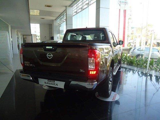 Cần bán xe Nissan Navara NP300 đời 2015, màu nâu, nhập khẩu-4