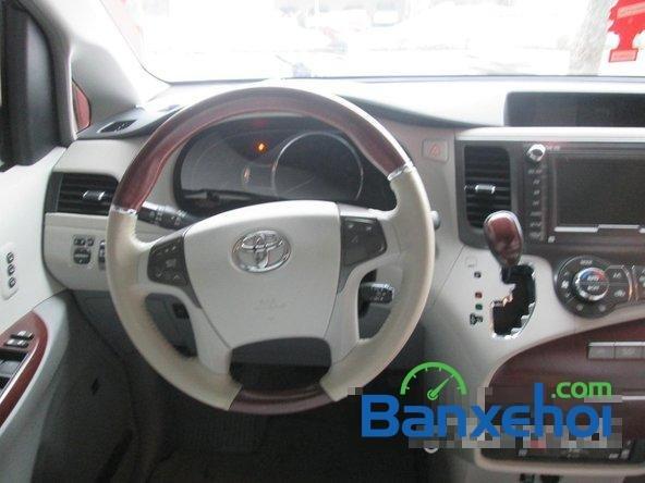 Bán xe Toyota Sienna Limited năm 2013, màu trắng đã đi 10000 km-8