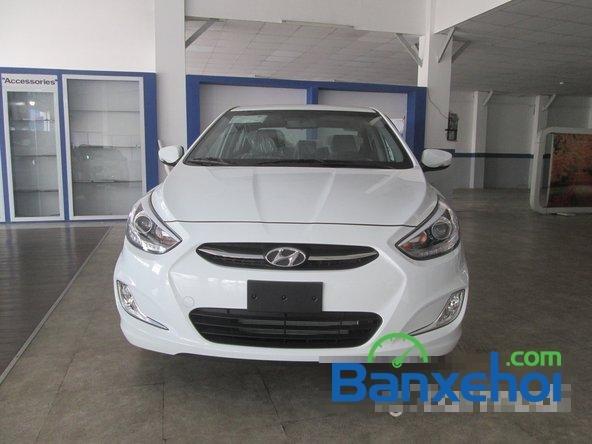 Cần bán Hyundai Accent Blue 2015, màu trắng-0