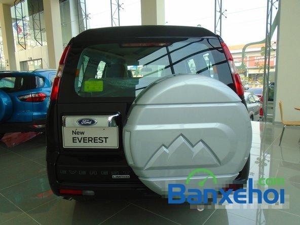 Bán xe Ford Everest XLT 2.5L 4x2 AT đời 2015, màu đen  -5