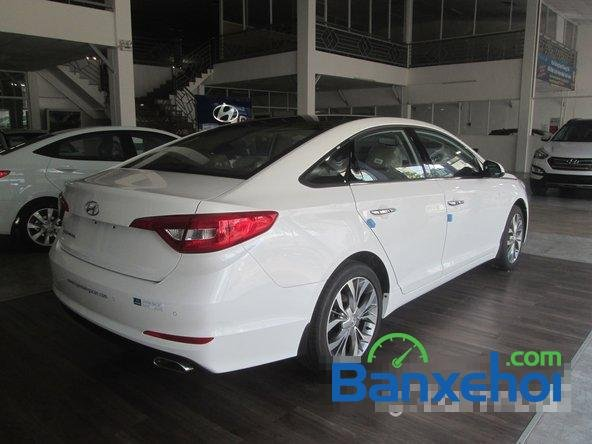Bán ô tô Hyundai Sonata đời 2015, màu trắng-4