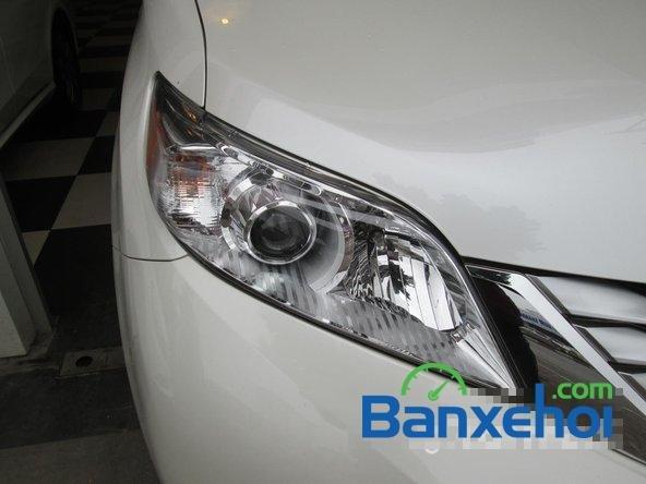 Bán xe Toyota Sienna Limited năm 2013, màu trắng đã đi 10000 km-2