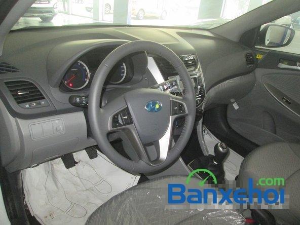 Cần bán Hyundai Accent Blue 2015, màu trắng-7