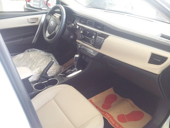 Cần bán xe Toyota Corolla altis 2015, nhập khẩu chính hãng giá rẻ xe đẹp-4