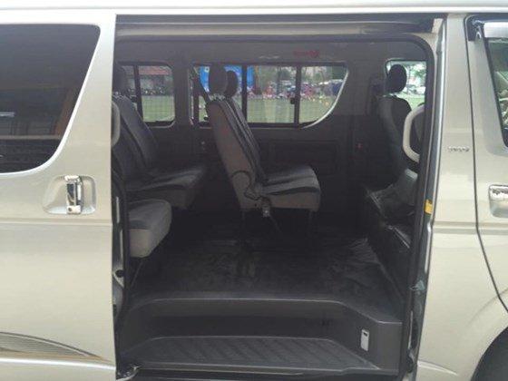 Toyota Hiace Super Wagon 2010, màu xám bạc, loại cao cấp. Máy xăng, 10 chỗ, 1 đời chủ-5