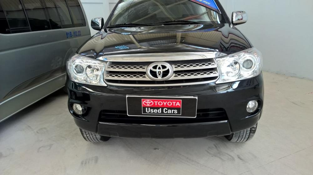 Toyota Đông Sài Gòn xe đã qua sử dụng đang bán Fortuner V màu đen-0