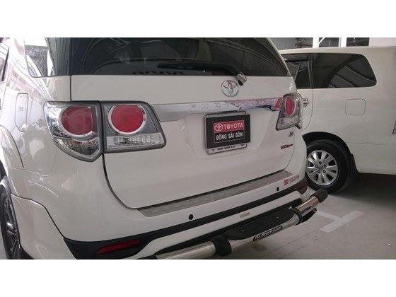 Xe Toyota Fortuner sản xuất 2015, màu trắng cần bán-5