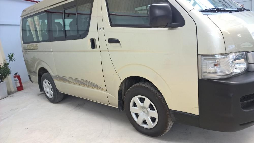 Toyota Đông Sài Gòn xe đã qua sử dụng đang bán Hiace màu ghi vàng-2
