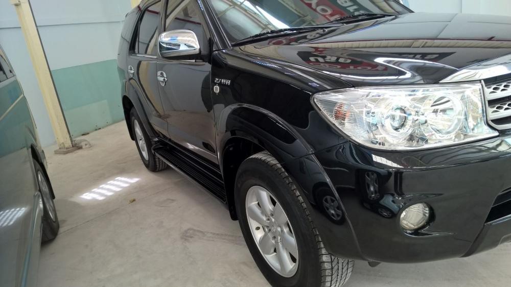 Toyota Đông Sài Gòn xe đã qua sử dụng đang bán Fortuner V màu đen-2