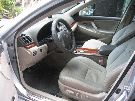 Gia đình bán Toyota Camry 2.4L SX cuối 2012 màu bạc nội thất màu da kem rất đẹp-8