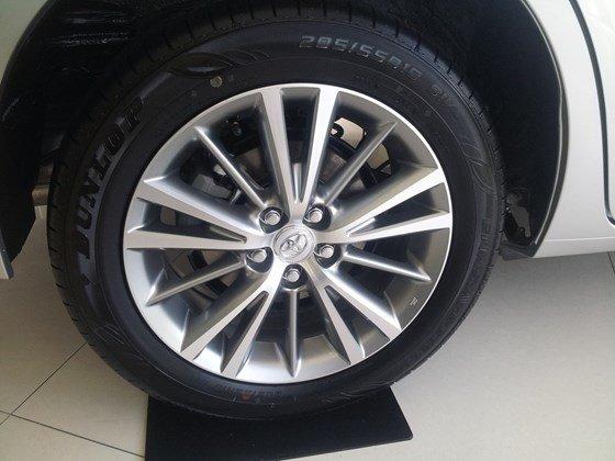 Cần bán xe Toyota Corolla altis 2015, nhập khẩu chính hãng giá rẻ xe đẹp-1