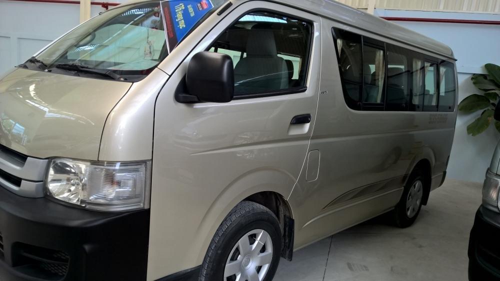 Toyota Đông Sài Gòn xe đã qua sử dụng đang bán Hiace màu ghi vàng-1
