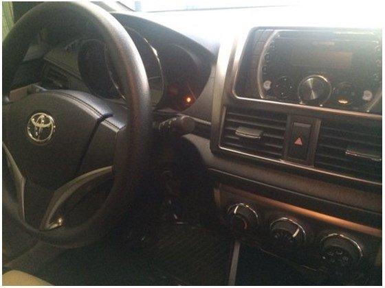 Cần bán xe Toyota Yaris đời 2014, màu trắng, như mới, 625tr-2