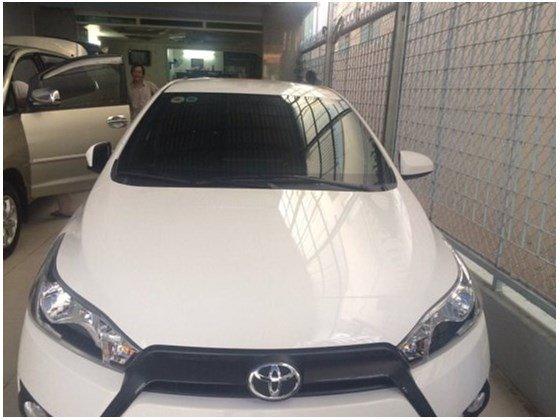Cần bán xe Toyota Yaris đời 2014, màu trắng, như mới, 625tr-0