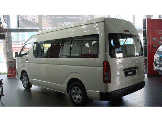 Bán xe ô tô Toyota Hiace, giảm giá 50 triệu PK + 7 món-1