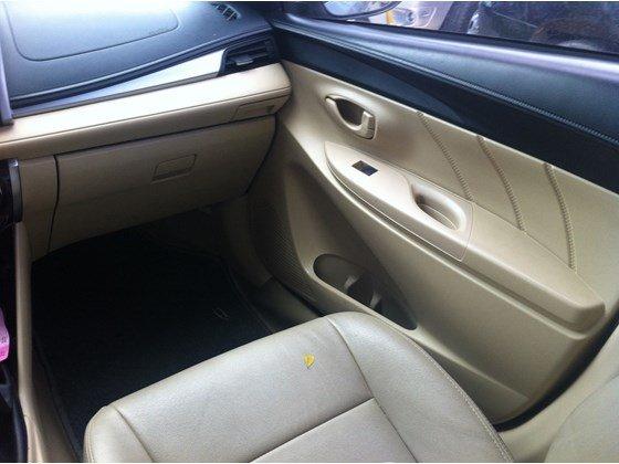 Gia đình cần bán Toyota Vios E, màu bạc số sàn, đăng ký lần đầu tháng 8/2014-7