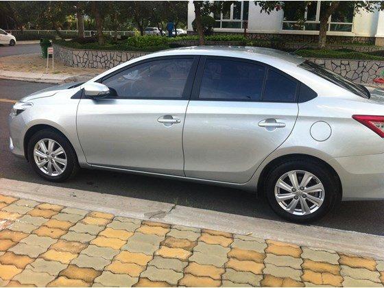Gia đình cần bán Toyota Vios E, màu bạc số sàn, đăng ký lần đầu tháng 8/2014-0