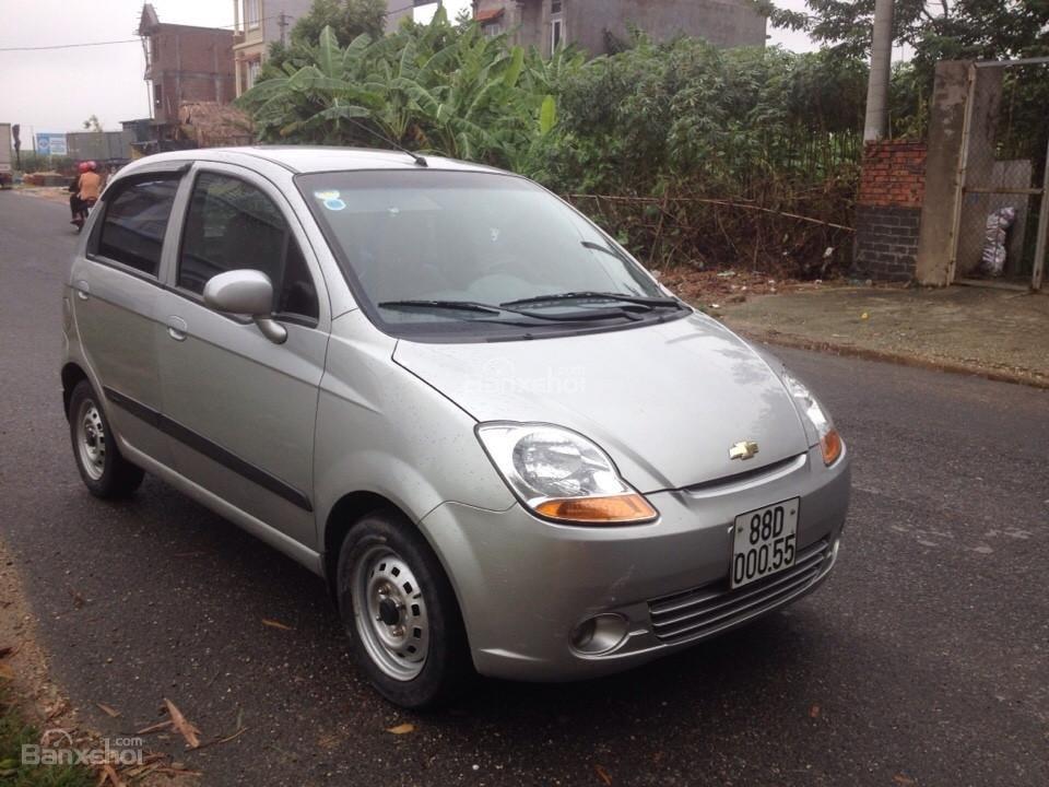 Cần bán gấp Chevrolet Spark 2011, màu bạc như mới-6