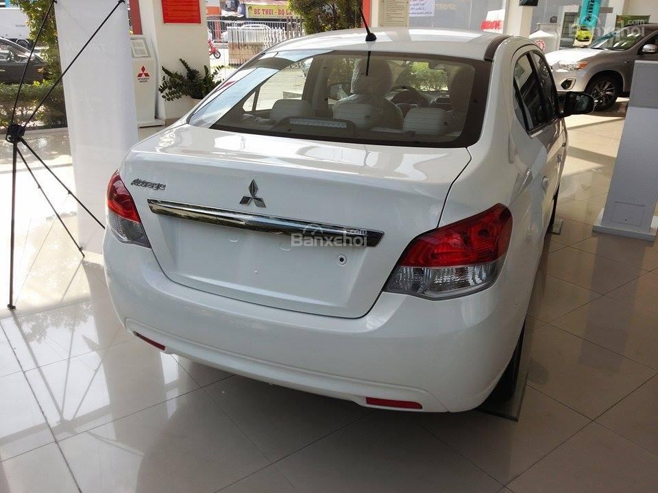 Bán Mitsubishi Attrage mới nhất 2015, màu trắng, xe nhập giá cạnh tranh-1