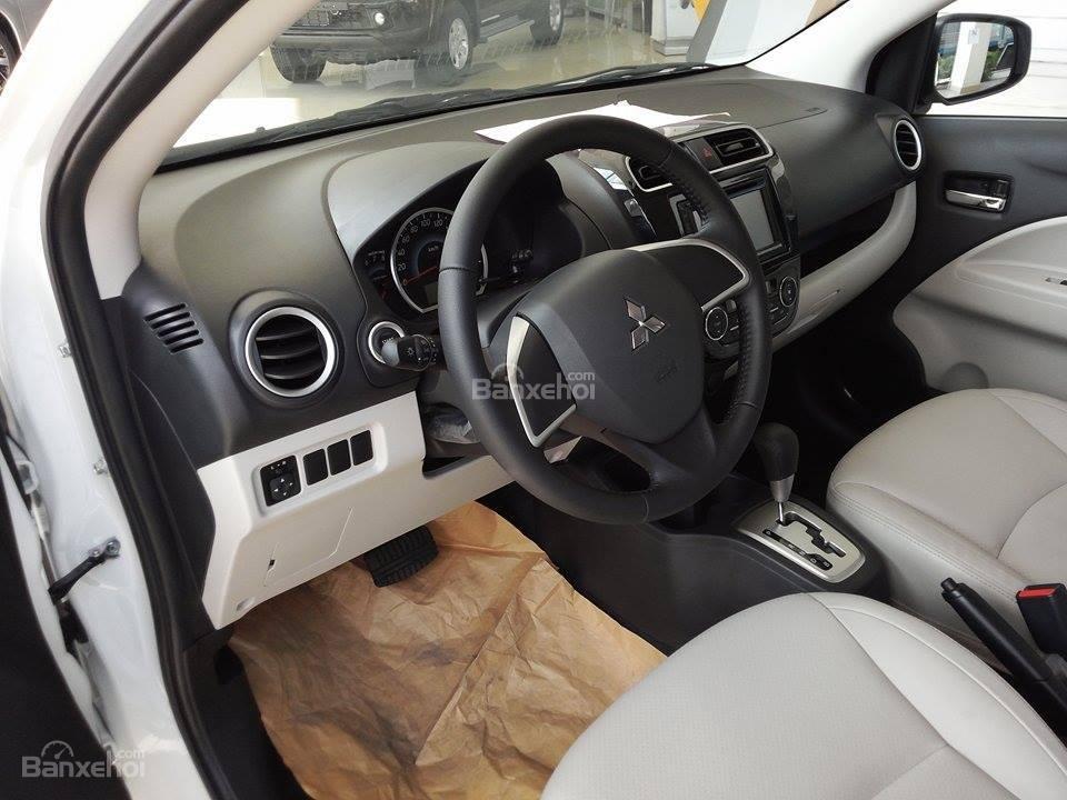 Bán Mitsubishi Attrage mới nhất 2015, màu trắng, xe nhập giá cạnh tranh-5
