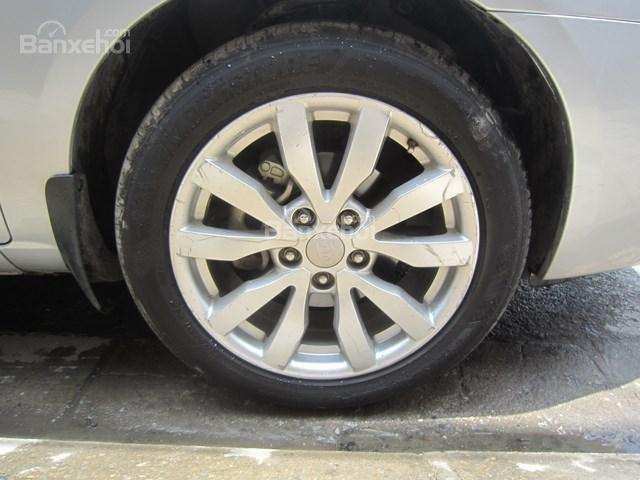 Bán Kia Carens đời 2010, màu bạc giá cạnh tranh-19