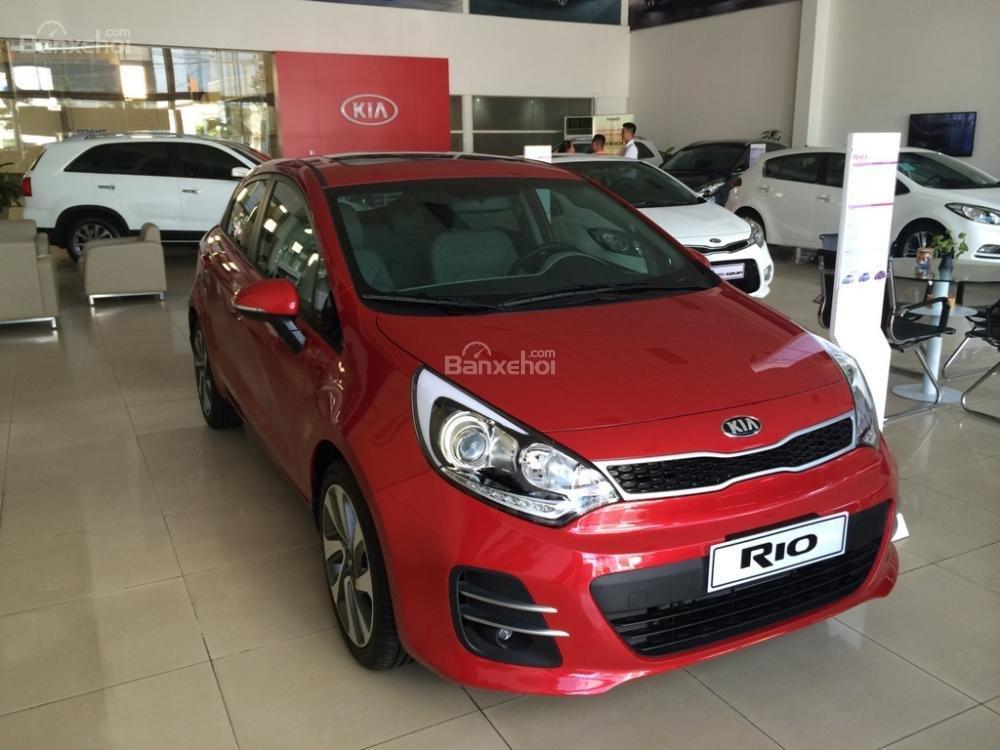 Bán xe Kia Rio Hatchback nhập khẩu chính hãng, màu đỏ, trả góp chỉ từ 200 triệu, có xe giao ngay tại Kia Hải Phòng-0