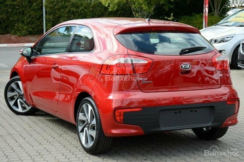 Bán xe Kia Rio Hatchback nhập khẩu chính hãng, màu đỏ, trả góp chỉ từ 200 triệu, có xe giao ngay tại Kia Hải Phòng-3