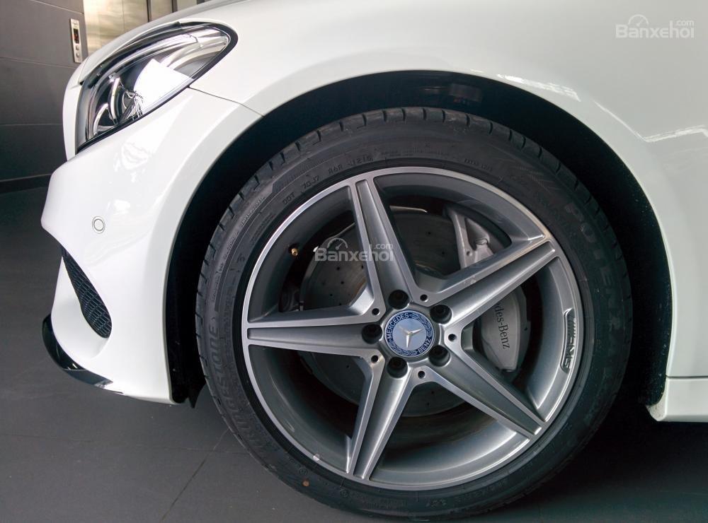 Đặt ngay Mercedes C300 AMG model 2016, đầy đủ màu sắc, ưu đãi giá tốt đầu năm 2016, hỗ trợ ngân hàng tận tình-2