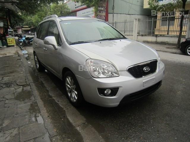 Cần bán xe Kia Carens đời 2011, màu bạc-0