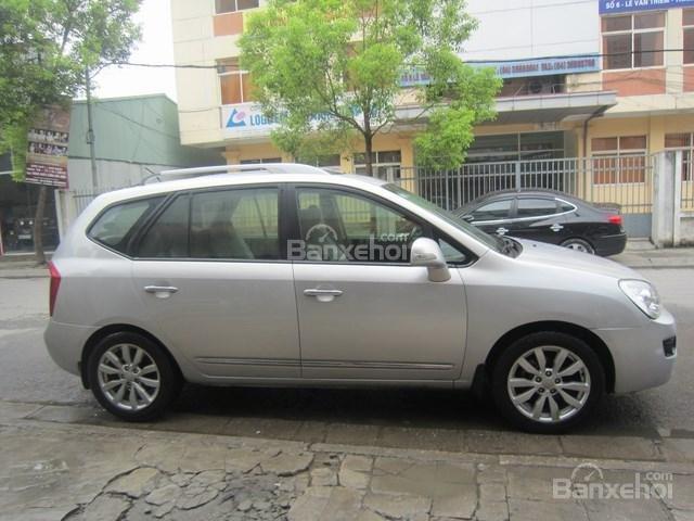 Cần bán xe Kia Carens đời 2011, màu bạc-5