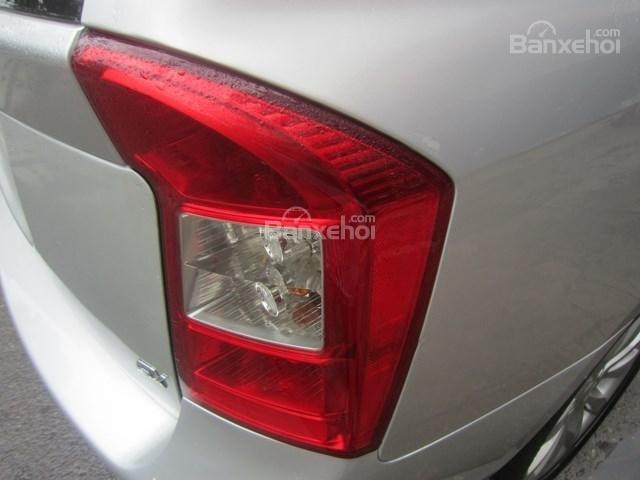 Cần bán xe Kia Carens đời 2011, màu bạc-6