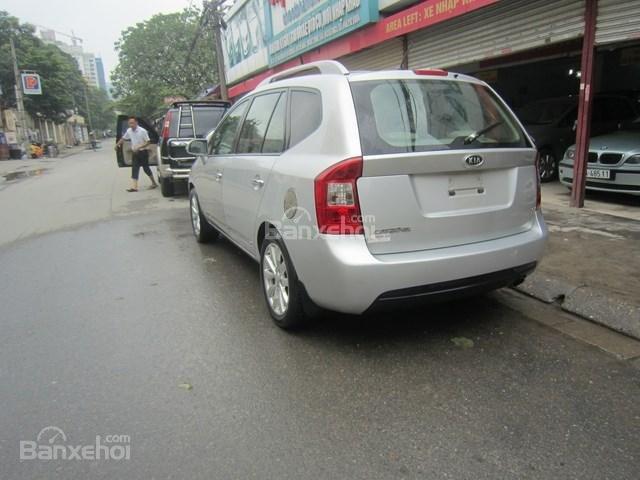 Cần bán xe Kia Carens đời 2011, màu bạc-8