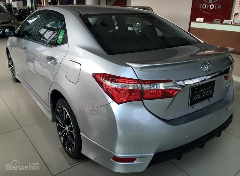 Corolla Altis 2.0CVT-i 2015 màu bạc, Toyota Giải Phóng cam kết giá tốt nhất-3