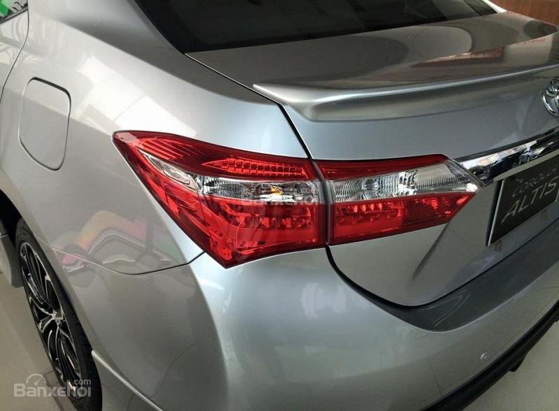 Corolla Altis 2.0CVT-i 2015 màu bạc, Toyota Giải Phóng cam kết giá tốt nhất-4