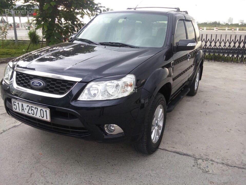 Cần bán Ford Escape XLS đời 2011, màu đen-1