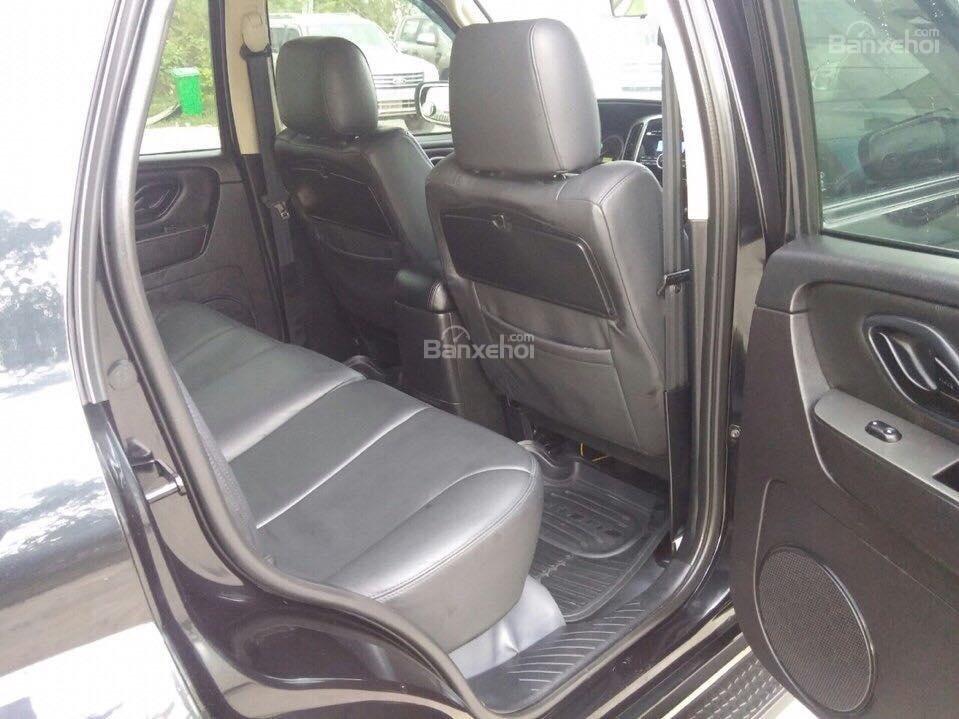 Cần bán Ford Escape XLS đời 2011, màu đen-6