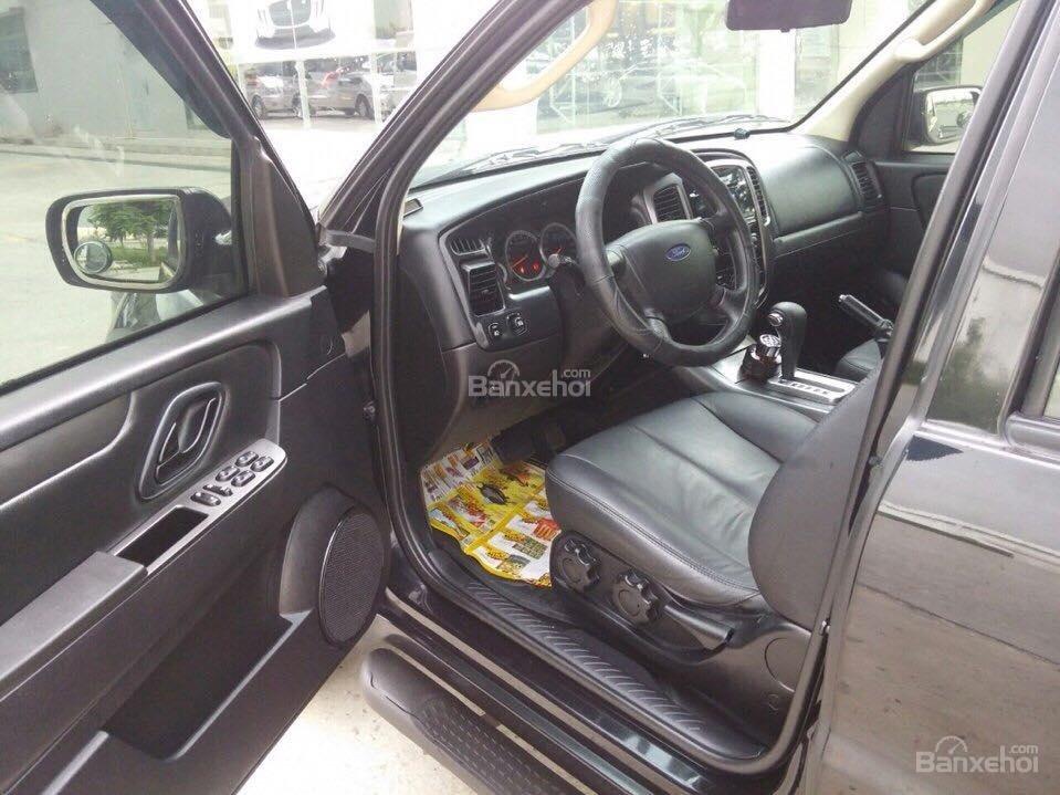 Cần bán Ford Escape XLS đời 2011, màu đen-7