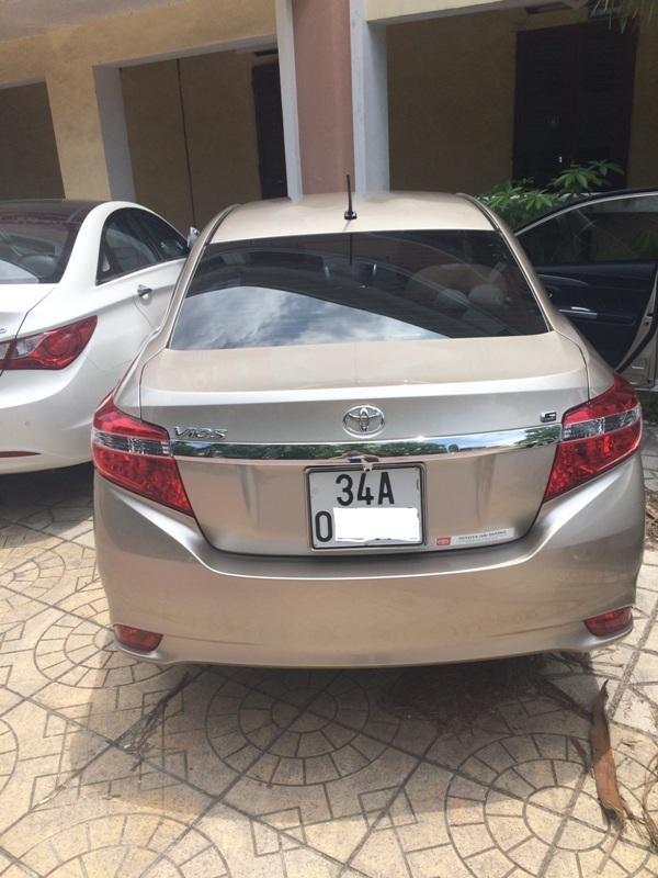 Em bán xe Toyota Vios G 2014 - 2015 - mầu vàng cát nội thất màu đen-5
