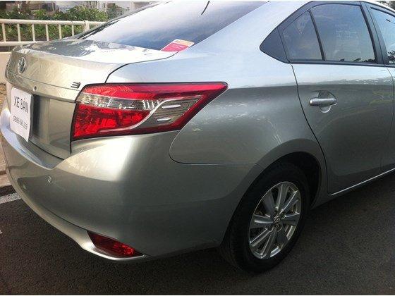 Gia đình cần bán Toyota Vios E, màu bạc số sàn, đăng ký lần đầu tháng 8/2014-4