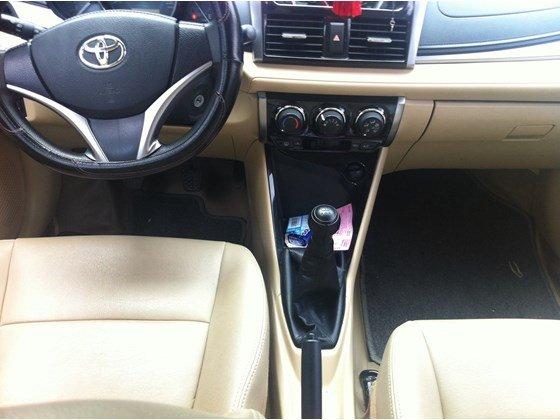 Gia đình cần bán Toyota Vios E, màu bạc số sàn, đăng ký lần đầu tháng 8/2014-6