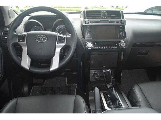 Xe Toyota Land Cruiser đời 2015, màu đen, nhập khẩu chính hãng, chính chủ cần bán-4