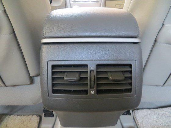 Chính chủ bán xe Toyota Camry 2.0E, nhập khẩu, sản xuất 2009, đăng ký 2010-11