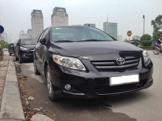 Bán Toyota Corolla Altis màu đen, số sàn, đi 5,8 vạn km, sản xuất 2009-0