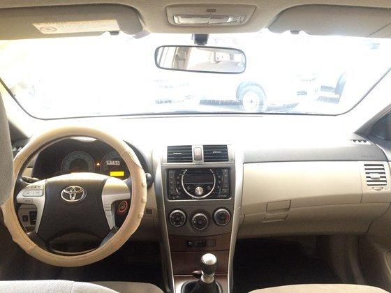 Toyota Corolla altis 1.8MT năm 2013, màu bạc, bảo hành chính hãng-3