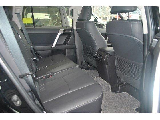 Xe Toyota Land Cruiser đời 2015, màu đen, nhập khẩu chính hãng, chính chủ cần bán-8