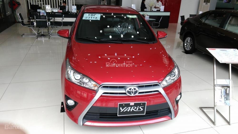 Yaris 1.3G 2015 màu đỏ, Toyota Giải Phóng cam kết giá tốt nhất-0