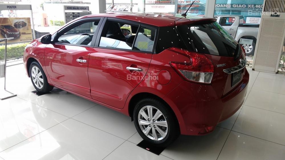Yaris 1.3G 2015 màu đỏ, Toyota Giải Phóng cam kết giá tốt nhất-3