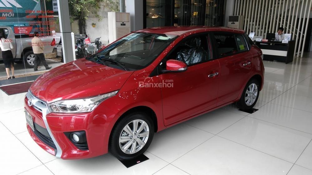 Yaris 1.3G 2015 màu đỏ, Toyota Giải Phóng cam kết giá tốt nhất-4
